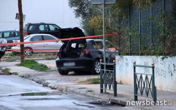 Μαφιόζικη εκτέλεση στα Βριλήσσια: Εικόνες από το καμένο όχημα των δραστών